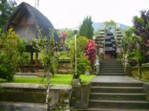 Sejarah Pura Batukaru di Tabanan Bali