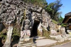 goa gajah Tempat wisata di Klungkung