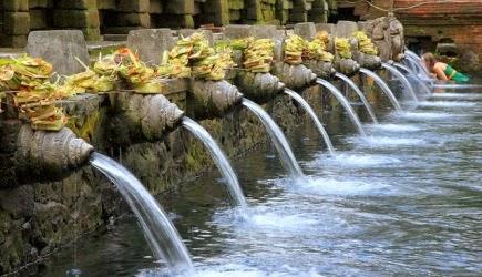 Tempat wisata Tirta Empul di Bali