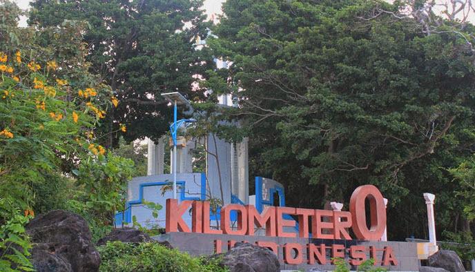 Menapaki titik 0 KM di wisata Sabang