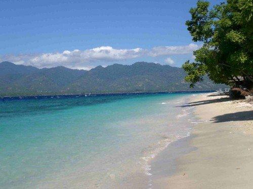 Pantai-pasir-putih-Situbondo