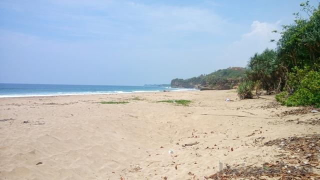 Wisata Pantai religi Nganteb