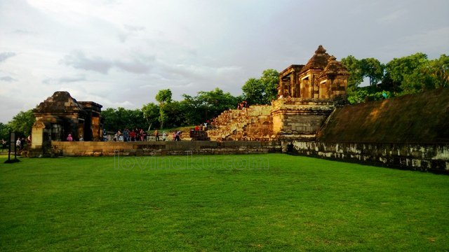 Wisata Istana Ratu Boko