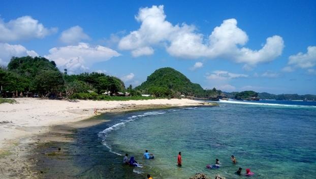 Wisata Pantai Karimunjawa