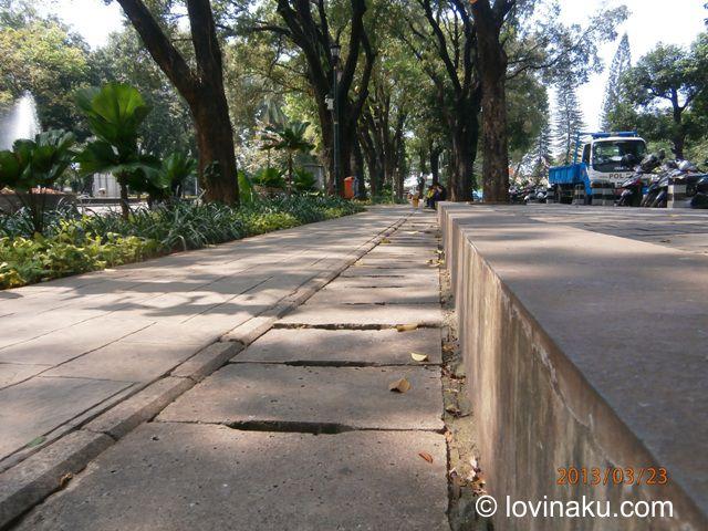 jogging track at taman Suropati