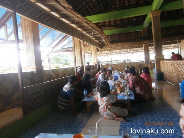 Saung Restoran ikan air tawar Wisata Agro Cilangkap