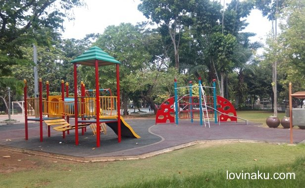 arena bermain anak di taman menteng