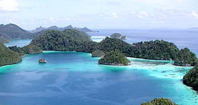 Raja Ampat best tourrist attractions in Indonesia